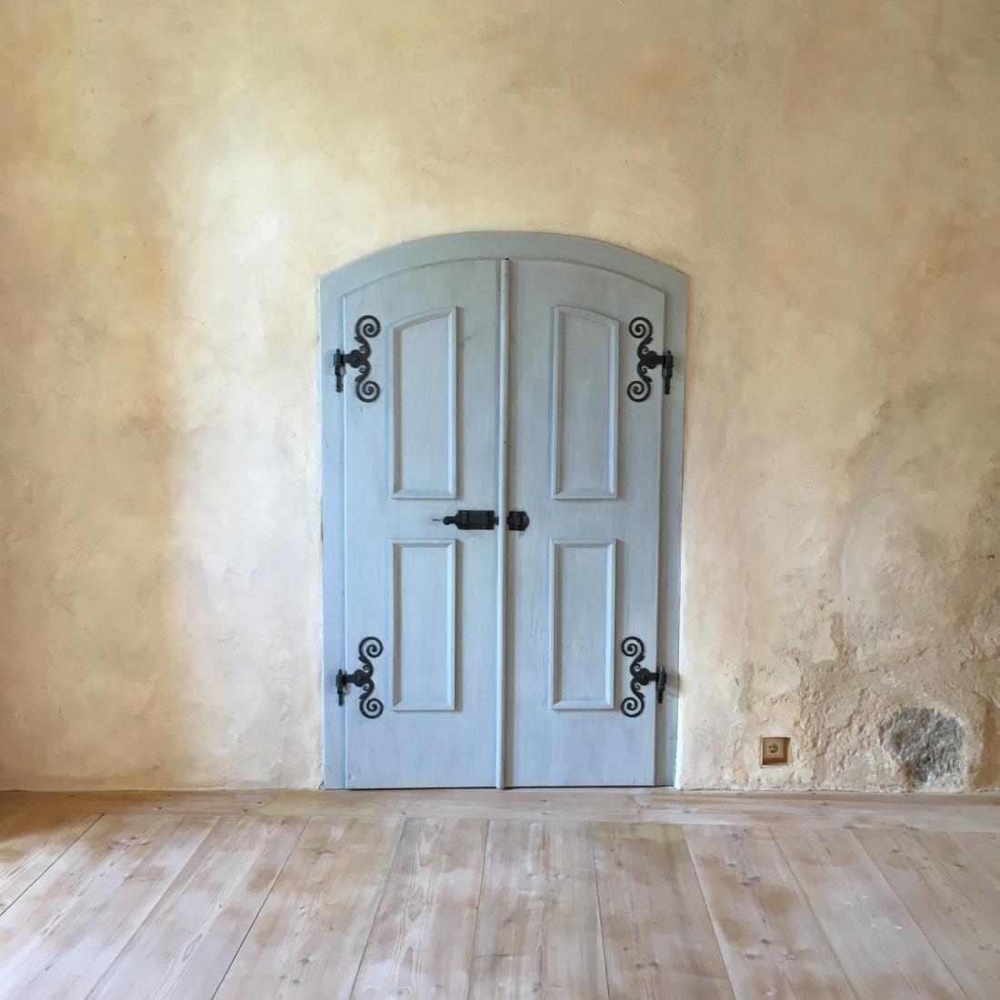 Bauska Door